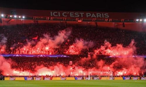 PSG bị phạt đóng cửa một phần sân vận động