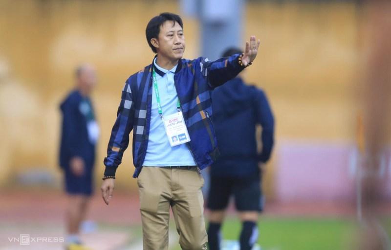 HLV Nguyễn Thành Công nhận thất bại trong trận ra mắt ở CLB Quảng Nam.
