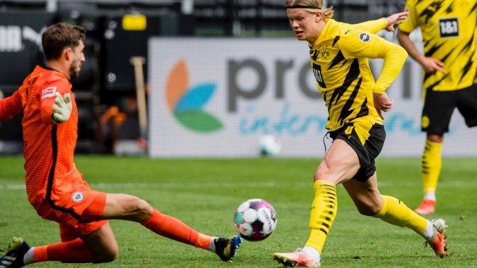 Haaland đang có dấu hiệu bị phân tán gần đây, và việc anh không ghi bàn có thể khiến hy vọng được dự Champions League mùa sau của Dortmund ngày càng vơi đi. Ảnh: Twitter / Dortmund
