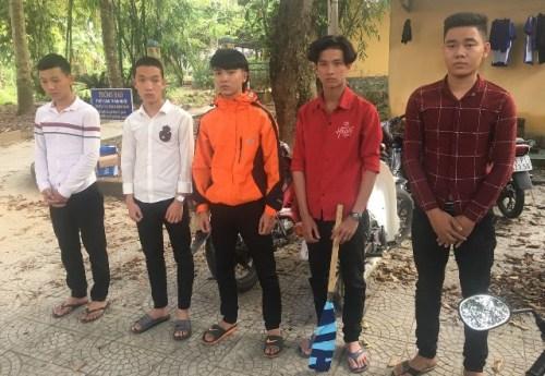 Tuấn Anh cùng với nhóm thanh niên tấn công xe tải trong hầm Phước Tượng. Ảnh: C.A cung ấp