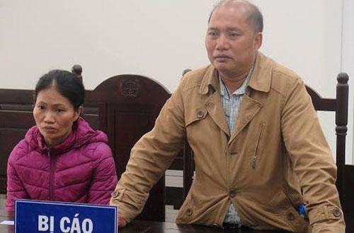 Vợ chồng bị cáo Thơ tại phiên tòa sơ thẩm.