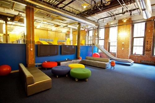 Các văn phòng ở Google thường có không gian mở, kích thích khả năng sáng tạo của nhân viên. Ảnh: Anil Chopra