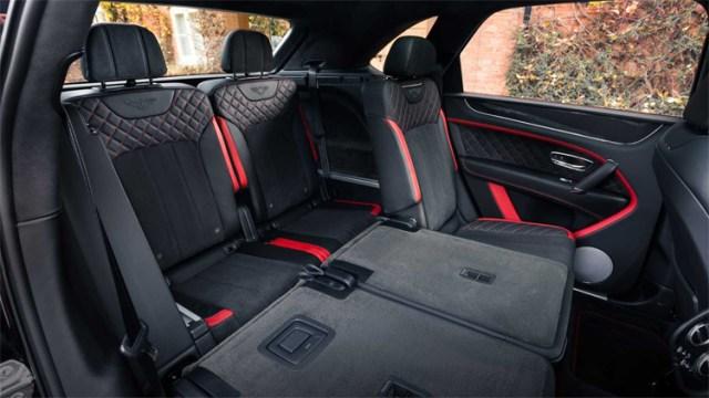 Bentayga bản bảy chỗ, với hàng ghế thứ hai có bachỗ và hàng ghế thứ ba dành cho hai người. Ảnh: Bentley