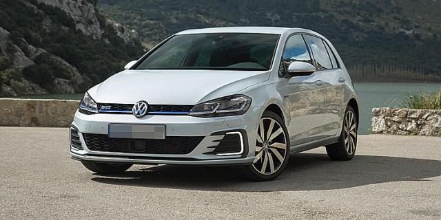 Volkswagen Golf, mẫu xe bán chạy nhất tại Đức. Ảnh: Carreview8
