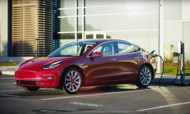 Model 3 có giá khoảng 58.400 USD tại Đức. Ảnh: Tesla