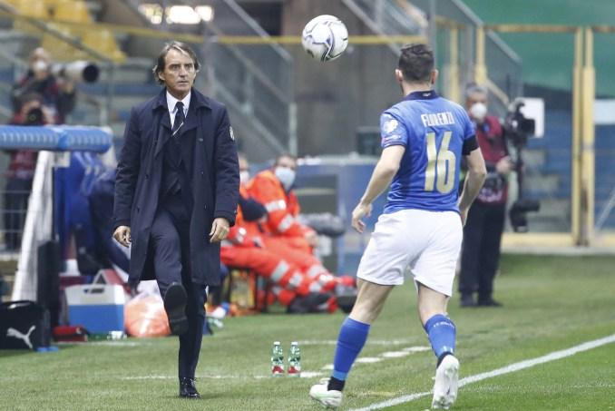 Mancini nhiều phen nổi cáu với các học trò vì Italy chơi mất tập trung trong hiệp hai. Ảnh: ANSA