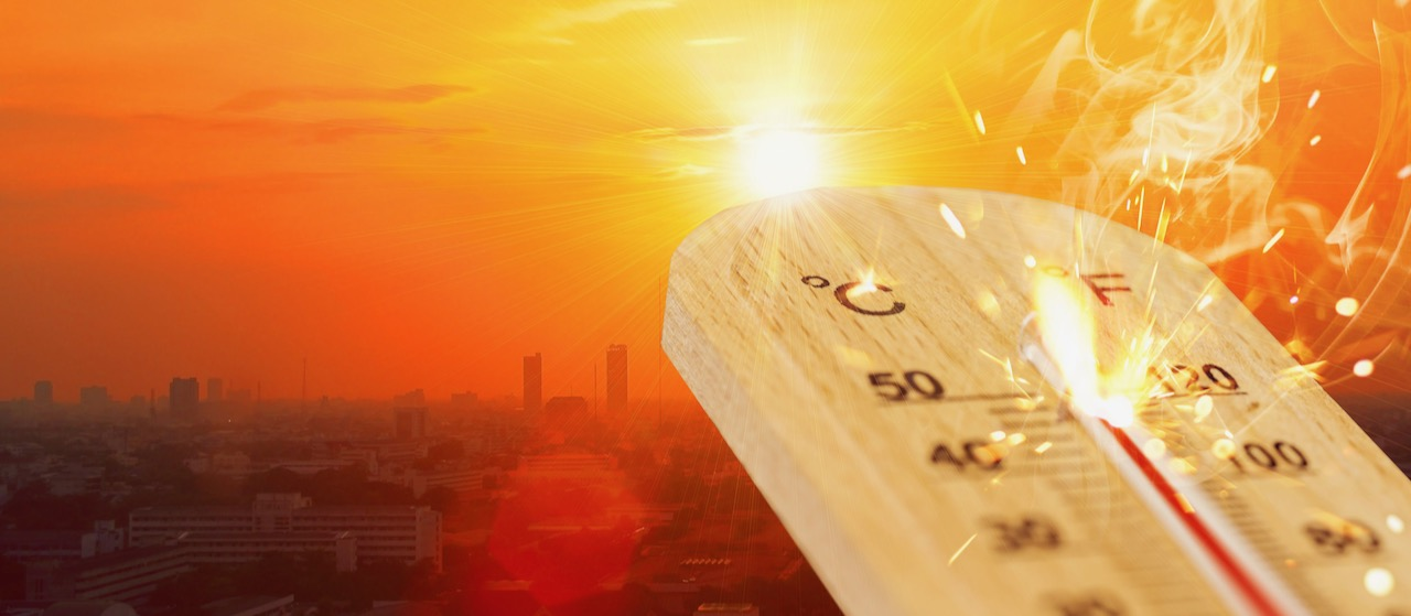 HEAT WAVE ALERT | Beaches open with triple digit temps over Labor Day