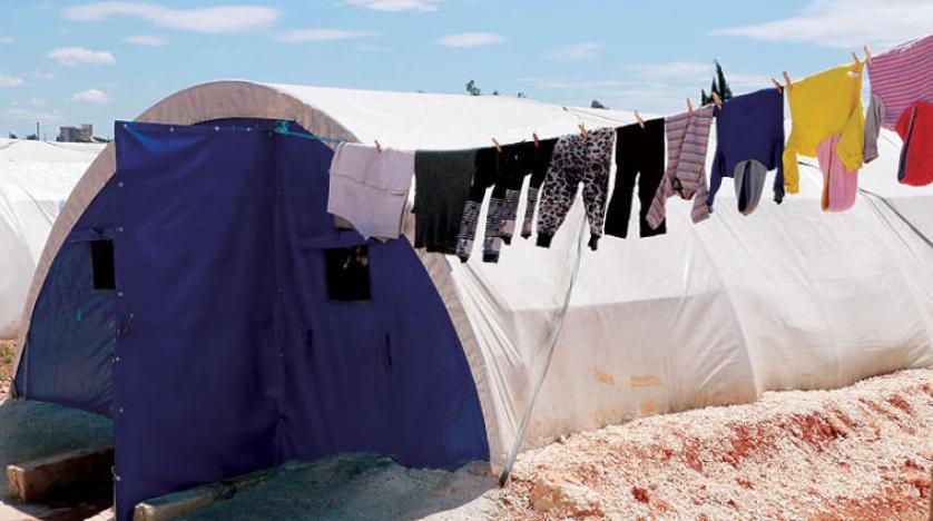 نازحة من مدينة عفرين حوّلت خيمتها «منزلاً كاملاً»