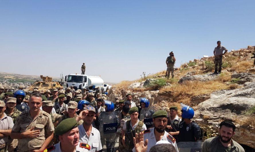 وقفة احتجاجية في مدينة الباب تطالب القوات التركية بالتعويض