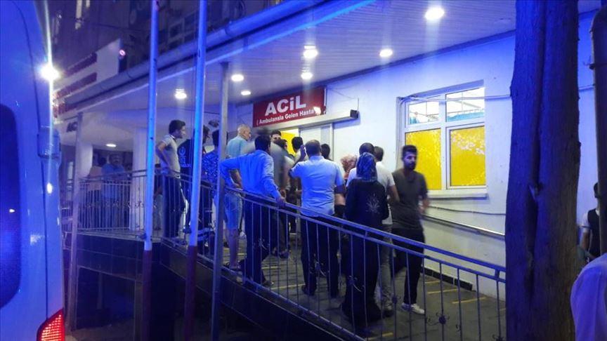 إصابة 6 في بلدة تركية حدودية إثر إطلاق صاروخ من سوريا وقسد تعتقل مشتبها به