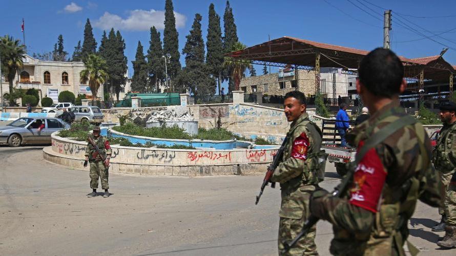 تركيا تشن حملة اعتقالات واسعة في مدينة عفرين السورية