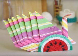 Hur man sätter servetterna i servetten