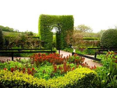 Front Garden, Veddw with new railings © Anne Wareham
