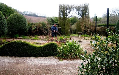 Front Garden Veddw new railings © Anne Wareham