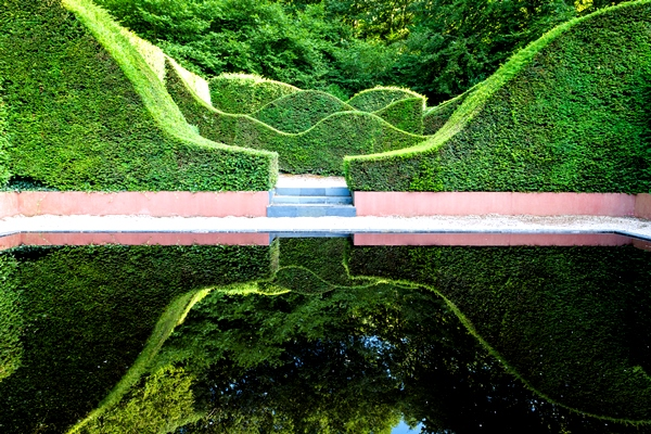 Reflecting-Pool-Veddw_House_Garden_August_13-33-Copyright-Charles-Hawes
