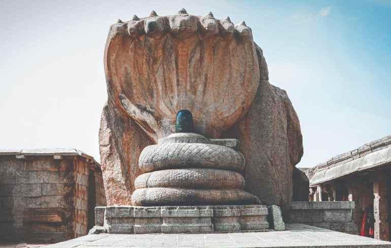 Lepakshi temple - Shiva Linga