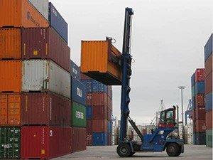 Погрузка и выгрузка контейнеров на склад