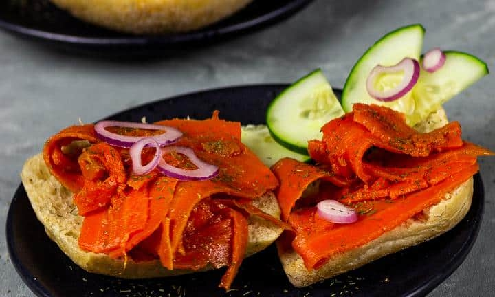 Vegan smoked salmon - carrot lox