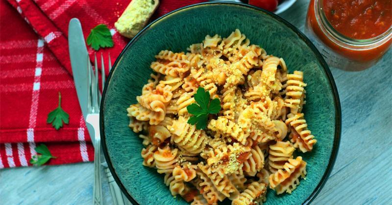 [:de]Frische Tomaten Marinara - eine schmackhafte, vegane Sauce a la Miracoli[:en]Fresh Tomato Marinara Sauce - a flavorful, vegan Sauce[:]