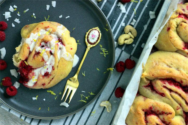 [:de]Zitronen Himbeer Schnecken[:en]Lemon Raspberry Buns[:]