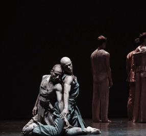 "Cuenta de Paris Opera Ballet Instagram que muestra bailarines masculinos ""srcset ="" https://cdn2.hubspot.net/hub/53/hubfs/paris-opera-ballet-male-dancers .png? t = 1527221885826 & width = 143 & name = paris-opera-ballet-male-dancers.png 143w, https://cdn2.hubspot.net/hub/53/hubfs/paris-opera-ballet-male-dancers.png? t = 1527221885826 & width = 286 & name = paris-opera-ballet-masculino-bailarines.png 286w, https://cdn2.hubspot.net/hub/53/hubfs/paris-opera-ballet-male-dancers.png?t=1527221885826&width = 429 & name = paris-opera-ballet-masculino-bailarines.png 429w, https://cdn2.hubspot.net/hub/53/hubfs/paris-opera-ballet-male-dancers.png?t=1527221885826&width=572&name= paris-opera-ballet-masculino-bailarines.png 572w, https://cdn2.hubspot.net/hub/53/hubfs/paris-opera-ballet-male-dancers.png?t=1527221885826&width=715&name=paris-opera -ballet-male-dancers.png 715w, https : //cdn2.hubspot.net/hub/53/hubfs/paris-opera-ballet-male-dancers.png? t = 1527221885826 & width = 858 & name = paris-opera-ballet-male-dancers.png 858w ""sizes ="" ( ancho máximo: 286px) 100vw, 286px"