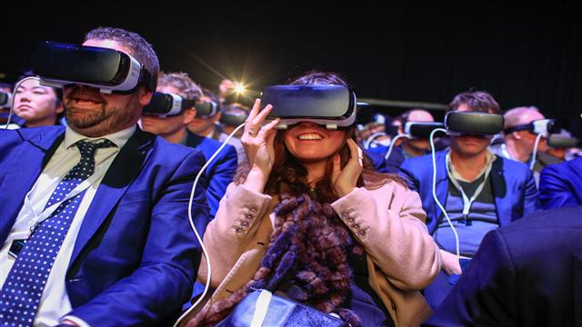 Virtual Reality in Entertainment: How Are People Consuming Content?