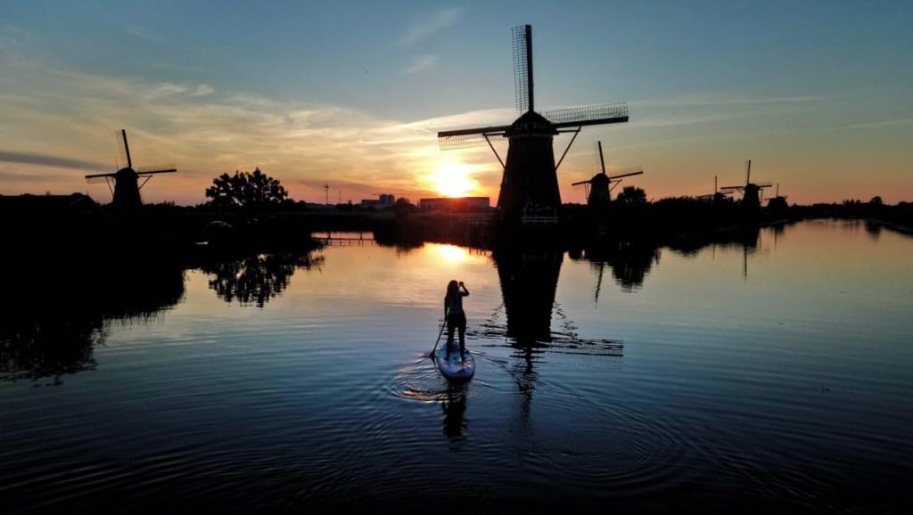 Zonsondergang bij Kinderdijk