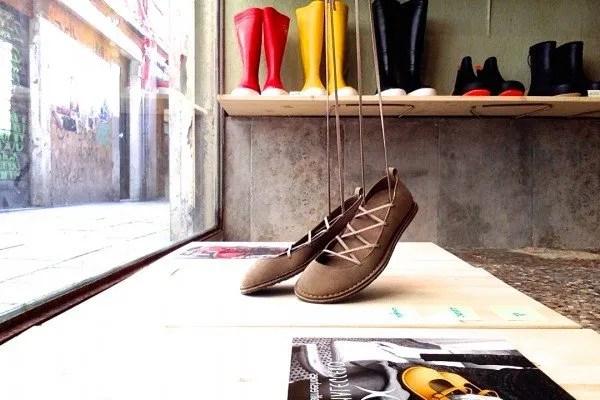 Acqua Marea: stivali e scarpe veg a Venezia | VegFashion