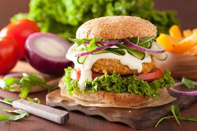 Burger με μπιφτέκια λαχανικών