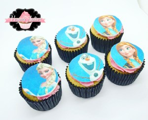 disney's frozen cupcakes Disney's Frozen Cupcakes IMG 8355