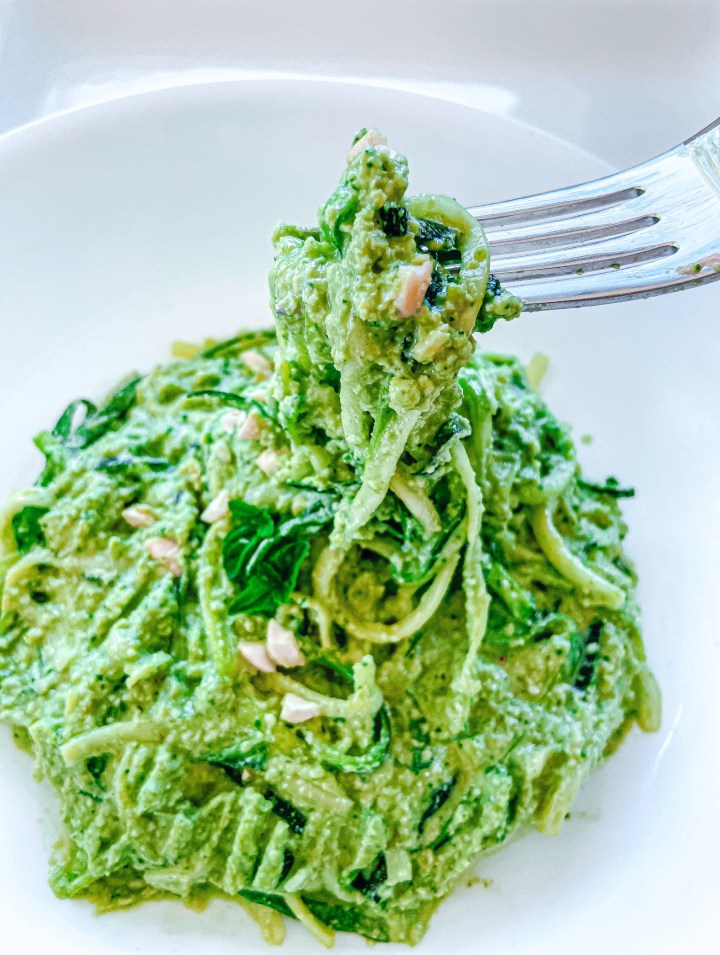 3 Ways to Eat Raw Zoodles - Spinach and cheesy mint raw zucchini noodle recipe