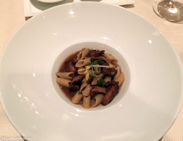 Pasta with Chantrelle Mushrooms