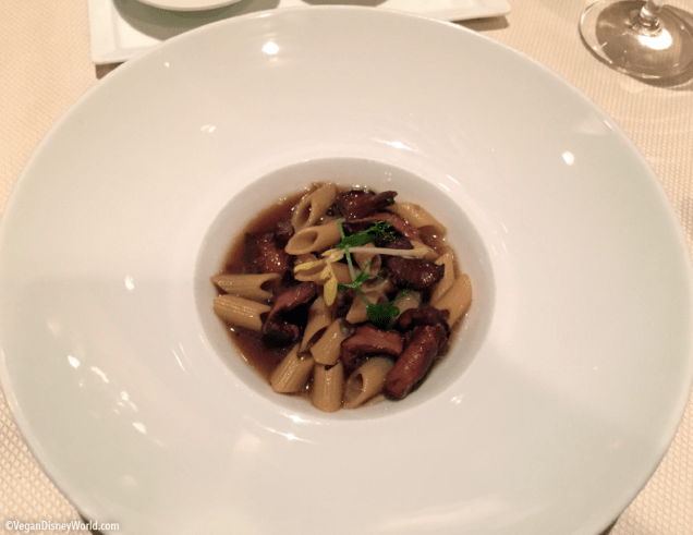 Pasta with Chantrelle Mushrooms