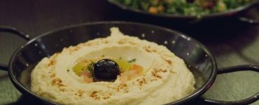 Hummus at Yeni Meze Bar Edinburgh