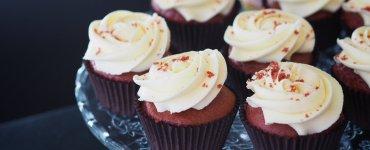 Where to find the best vegan cake in Edinburgh like these red velvet beauties from Bibi's