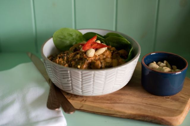 Cashew and spinach stew by New Norm