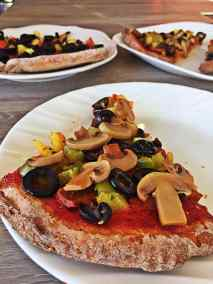 Vegan whole-wheat fast easy fat-free Pizza Slices