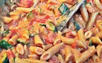 Creamy Tofu Pasta Sauce with Garlic, Zucchini & Tomato