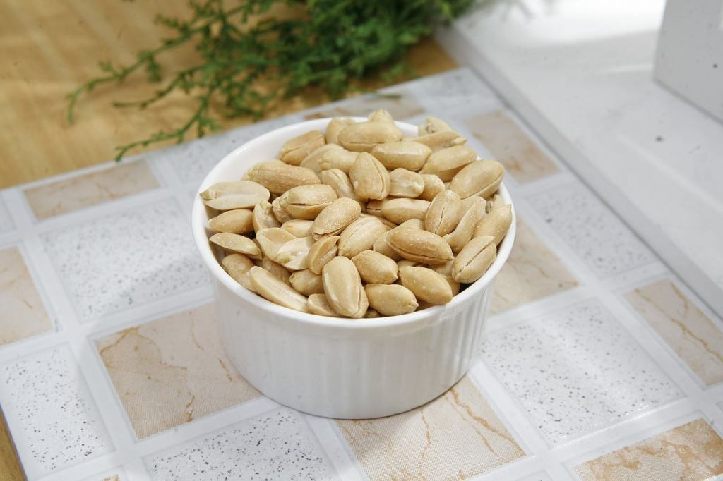 Image of peanuts in a bowl on a counter
