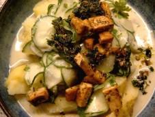 Pellkartoffeln mit Gurke und Tofu vegan