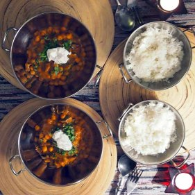 chickpea and mushroom curry ...for 4