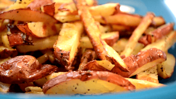 Oven-Baked Garlic & Rosemary French Fries