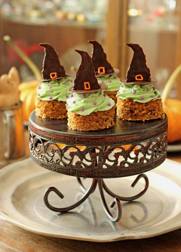 Vegan Halloween Carrot Cakes with Witchy Green Avocado Buttercream