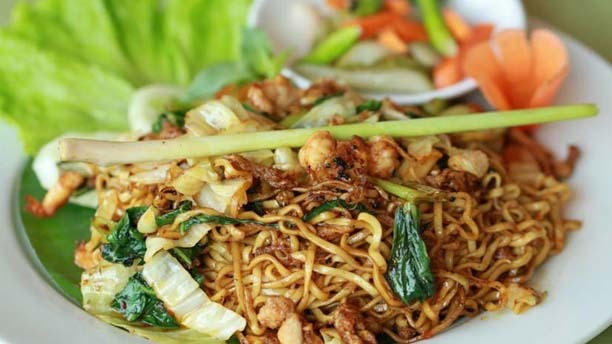 Easy Indonesian Fried Noodles