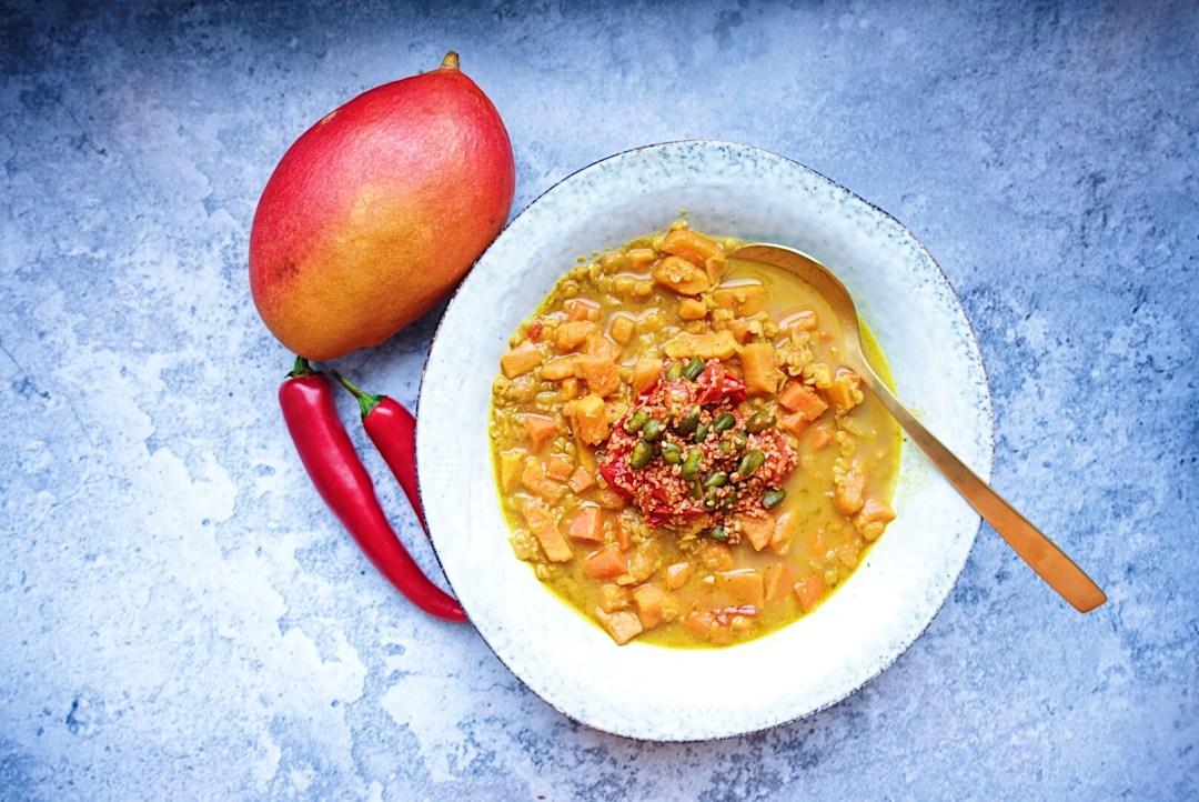 Exotische Mango Suesskartoffel Suppe Vegan