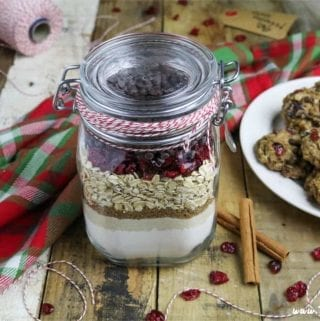 Need an easy, last-minute, but thoughtful gift? Look no further, because these Cranberry-Oatmeal Chocolate Chip Cookies in a Jar are fun, festive, thoughtful and are so simple to make.