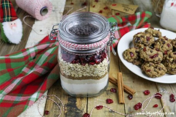 Need an easy, last minute, but thoughtful gift? Look no further, because these Cranberry-Oatmeal Chocolate Chip Cookies in a Jar are fun, festive, thoughtful and are so simple to make.