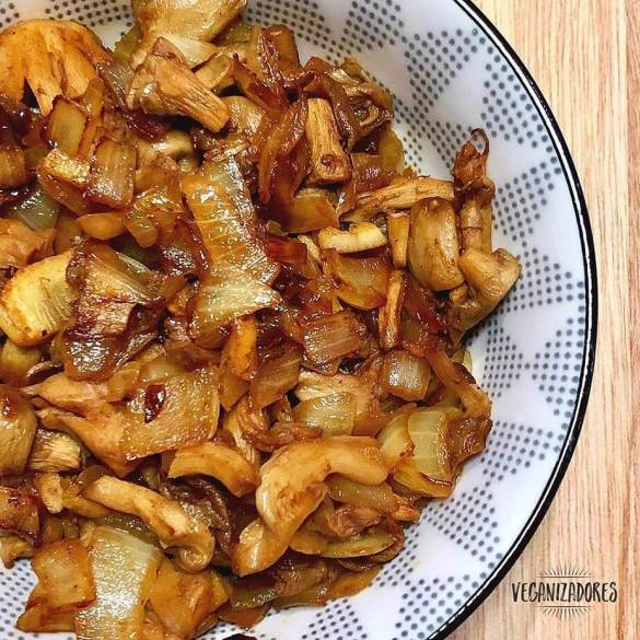 Shimeji Picante ao Curry Vegano - Receita Veganizadores