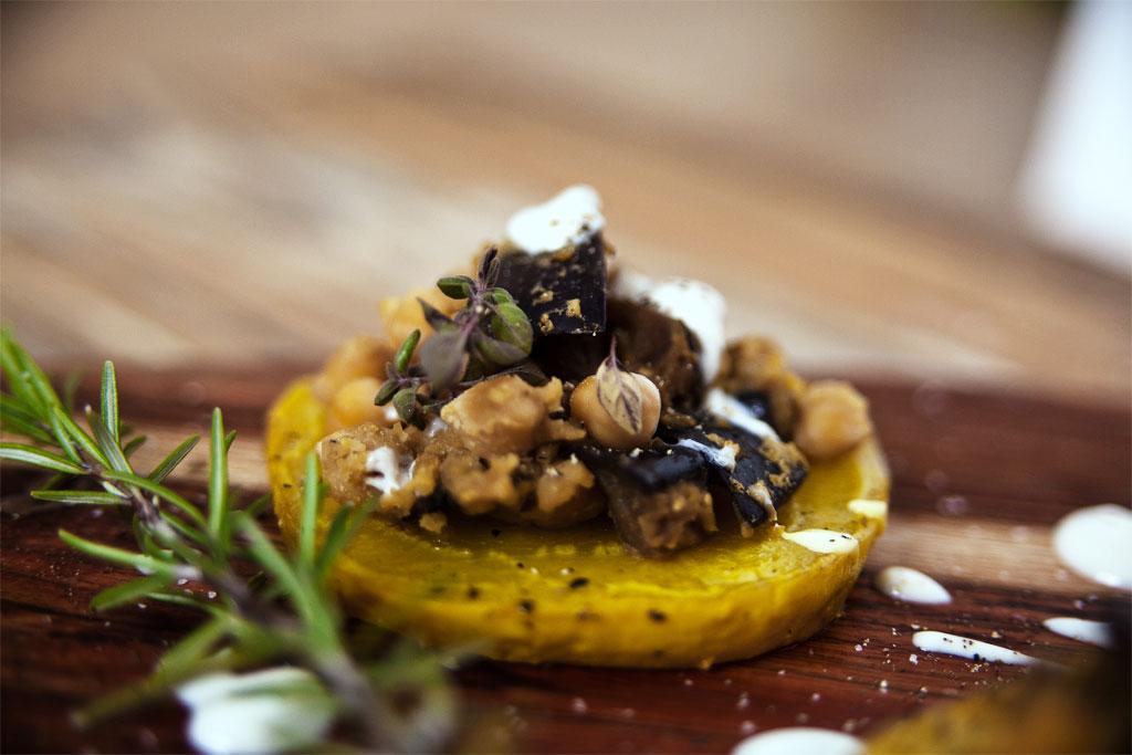 gelbe beete schiffchen mit kicher aubergine vegan vegan mom. Black Bedroom Furniture Sets. Home Design Ideas