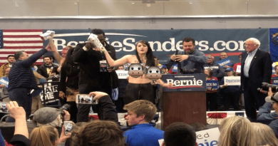 Four female activists from the animal rights group Direct Action Everywhere (DxE) took to the stage with Senator Bernie Sanders to disrupt his speech and shine a light on the reality of the dairy industry.